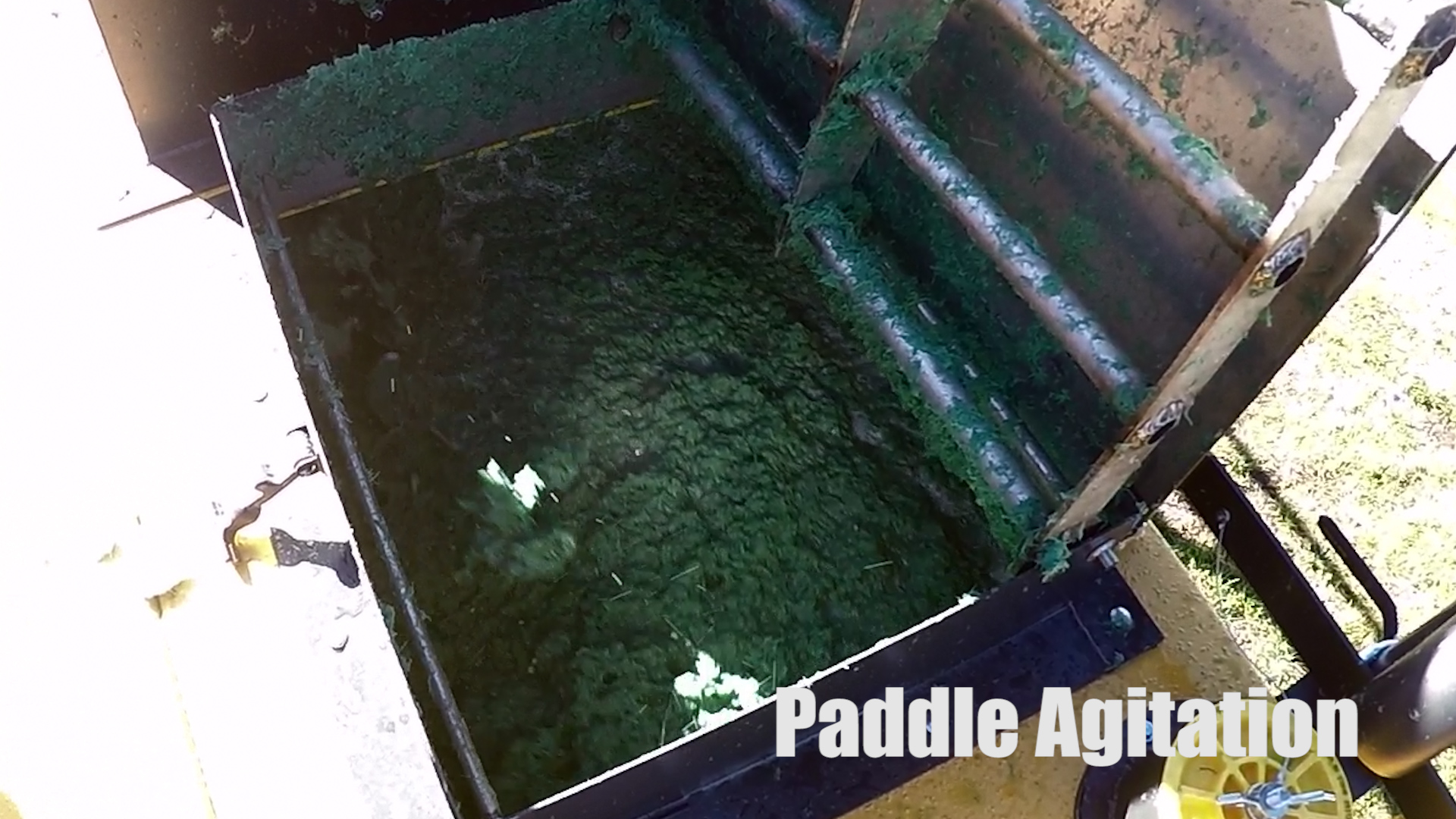 2152_paddle-agitation Pull-Behind HydroSeeder | 1000 Gallon | Epic Manufacturing