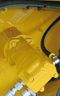 33_hydraulic-paddle-agitation Paddle Agitation Hydroseeder | C170 | All Hydraulic Controls